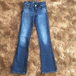 American Eagle Medium Wash Straight Leg Jeans